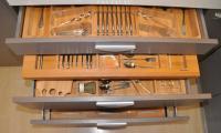 Υποκαθήμενη κουταλοθήκη από μασίφ ξύλο